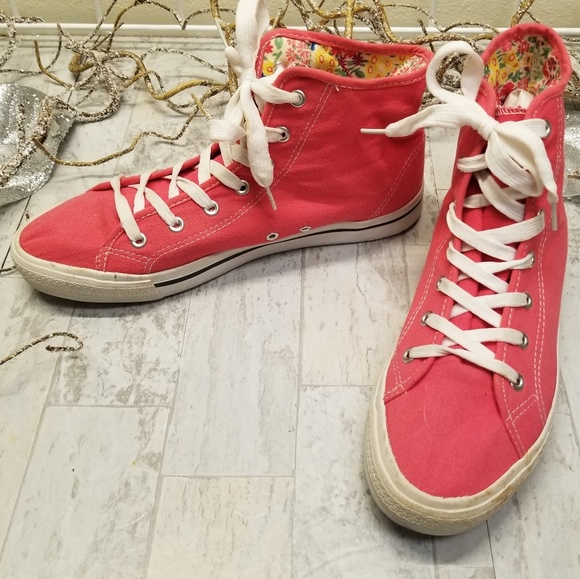 just be Shoes - Just Be... Pink High Top Sneakers Size 10
